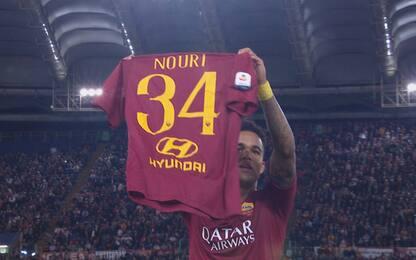"""Gol e dedica, Kluivert mostra la """"34"""" di Nouri"""