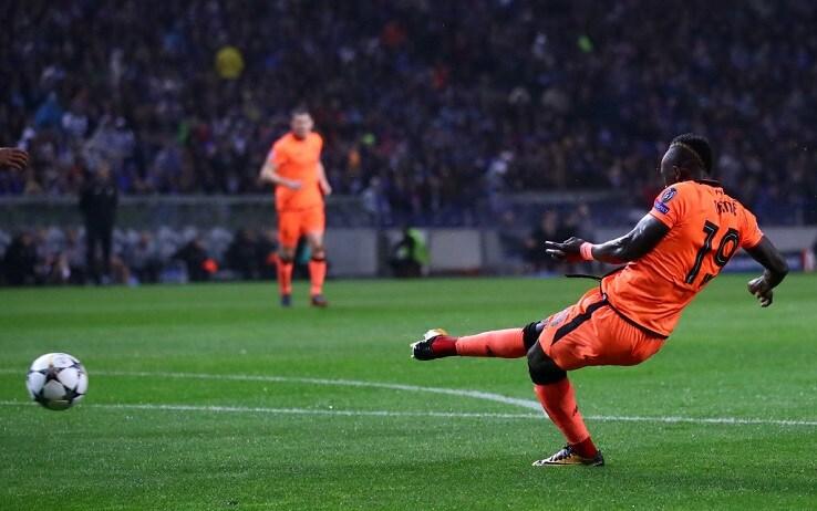 Sadio Mané calcia e col piatto destro e trova lo 0-1