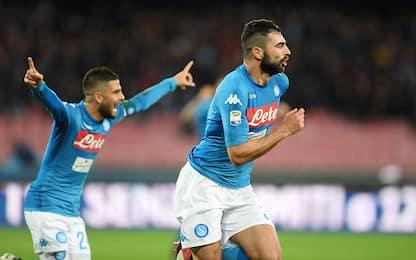 Albiol stende il Genoa e riporta il Napoli a -2