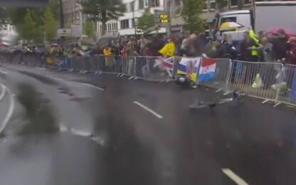 Tour, cade Valverde: frattura della rotula