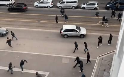 Zurigo-Napoli, scontri tra ultras pre gara: VIDEO