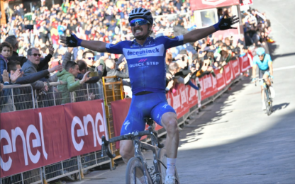 Strade Bianche, trionfo Alaphilippe. 2° Fuglsang