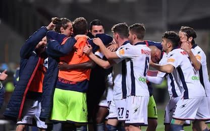 Simy trascina il Crotone, Salernitana ko 0-2