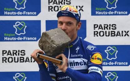 Impresa Gilbert, vince la Parigi-Roubaix a 36 anni