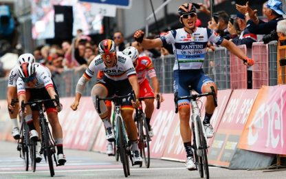 Giro: Cima vince la 18^ tappa, Carapaz in rosa