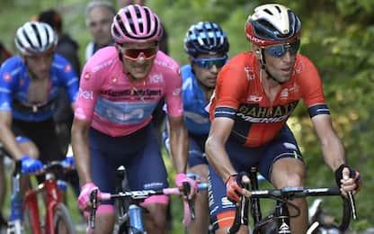 """Nibali incorona Carapaz: """"Merita la maglia rosa"""""""