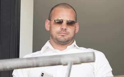 Nuova vita da dirigente: Sneijder irriconoscibile