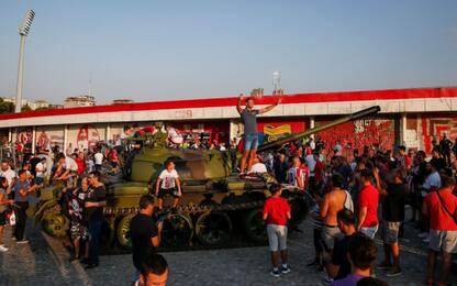 Stella Rossa, carro armato al Marakana: è polemica