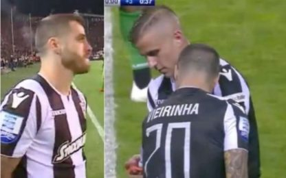 Paok campione, Vierinha entra infortunato. VIDEO
