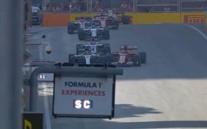 Hamilton-Vettel, fallo e reazione: così a Baku