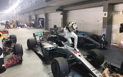 Ferrari fuori al via: Hamilton vince e scappa +28