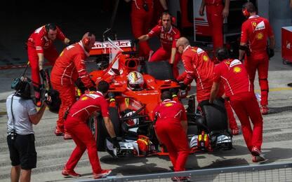 Vettel, dal sabato nero all'alba Rossa. Serve...