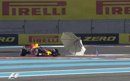 F1, c'è aria di vacanza: ombrellone in pista...