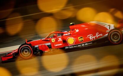 Ferrari, un rosso che brilla nel buio del Bahrain
