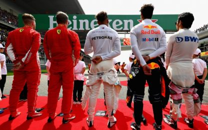 Il confronto Ferrari-Mercedes: pro e contro a Baku