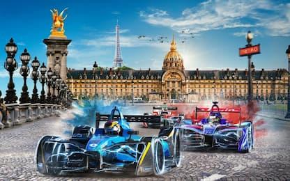 Formula E, che sfida sotto la Tour Eiffel