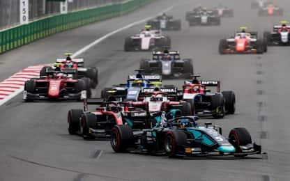 F2, a Baku spettacolo in pista. Gara 1 è di Albon