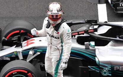 Hamilton, pole in Spagna. Seconda fila Seb-Kimi