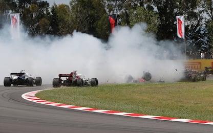 Grosjean, crash al via: penalità di tre posizioni