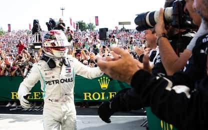 Super Hamilton, vince in Ungheria. Terzo Vettel