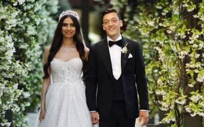 Ozil, nozze da favola con Amine: tutte le foto