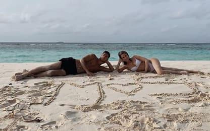 """Asensio si """"consola"""" con la fidanzata Sandra. FOTO"""