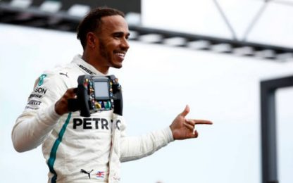 Francia, vince Hamilton. Kimi terzo, rimonta Seb