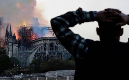 Parigi, incendio a Notre-Dame: VIDEO