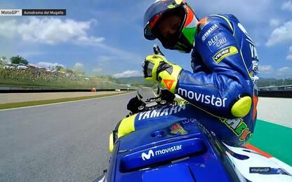In moto con Valentino per il suo giro record VIDEO