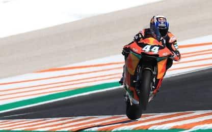 Moto2, terza vittoria consecutiva di Oliveira