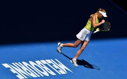 Australian Open, si salva Wozniacki. Bene Kostyuk