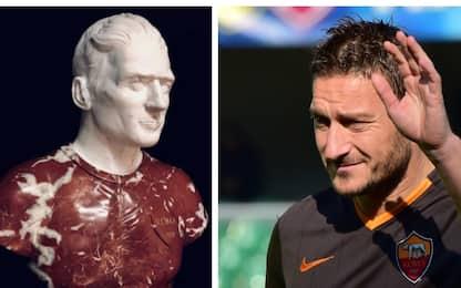 """Totti """"imperatore"""": ecco il suo busto in marmo"""