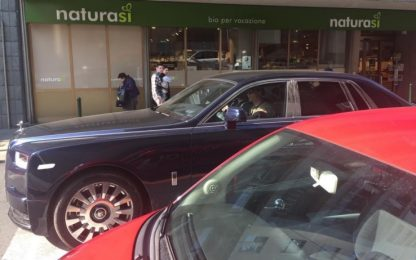 Ronaldo riparte: sorrisi e shopping a Torino
