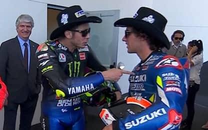 Rossi e Rins, siparietto prima del podio di Austin
