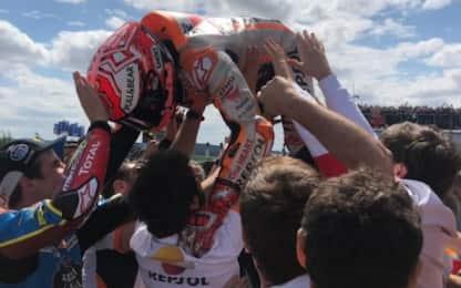 Marquez, festa esagerata al Sachsenring. VIDEO