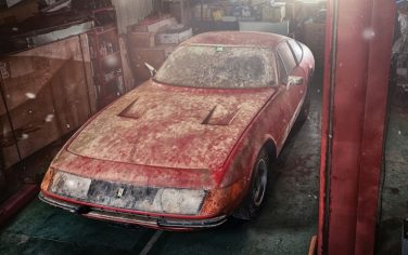 Ferrari-365-GTB-4-Daytona-Tre-Quarti-Anteriore
