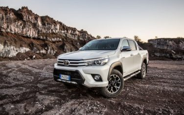 toyota-hilux-invincible50-6