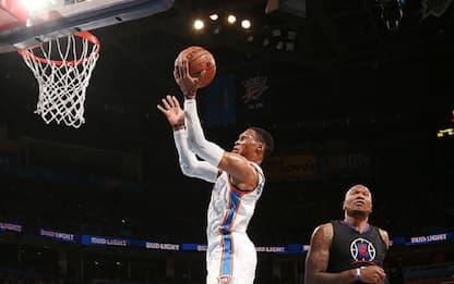 NBA, Westbrook tripla doppia in un tempo