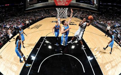 NBA, super Leonard batte i Nuggets senza Gallinari