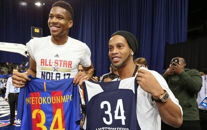 NBA, Ronaldinho come Nash: show di schiacciate!