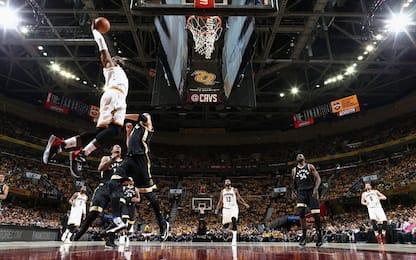 NBA, LeBron James batte Toronto e supera Jabbar