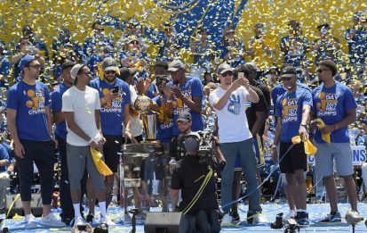 NBA Finals, Oakland festeggia i propri Warriors