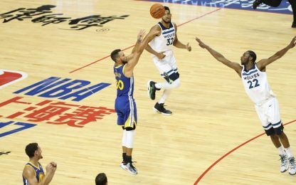 NBA, Steph Curry fa 40, Golden State vince in Cina