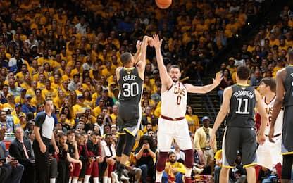 Curry, serata record: 9 triple, battuto Ray Allen