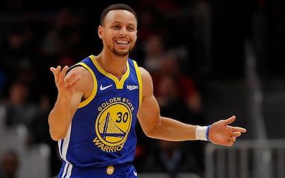 """Curry: """"L'uomo non è mai andato sulla luna"""""""