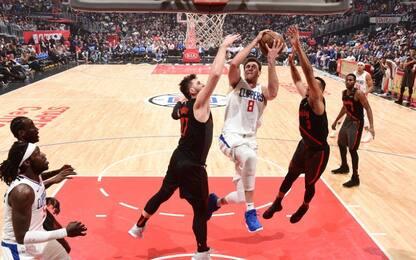 L.A. ancora ko, reazione Spurs: distrutti i Sixers
