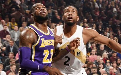 I Lakers non vincono mai: Leonard batte LeBron