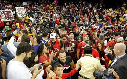 Toronto, grande festa dei fan alla Oracle Arena