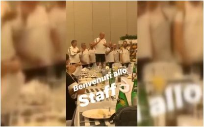 "Juve, lo staff di Sarri canta ""Bella ciao"". VIDEO"