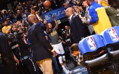 Steph Curry: addio tiro dal tunnel al Chase Center